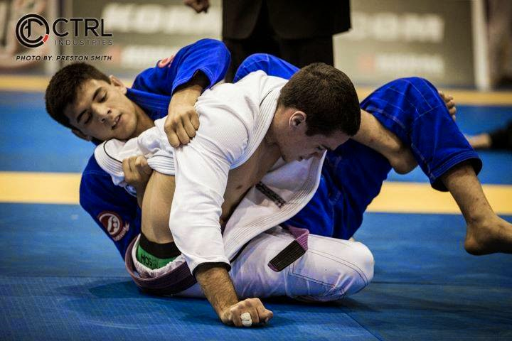 Rafael Mendes Rolling w/ 280lbs Black Belt Shows Us The Blueprint Dealing w/ Ultra Heavyweights