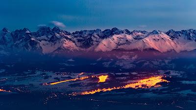 Brutal Paisaje con Montañas y nieve con Luces