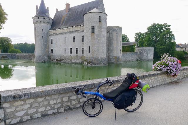 De Paris à Narbonne en vélo, Sully-sur-Loire