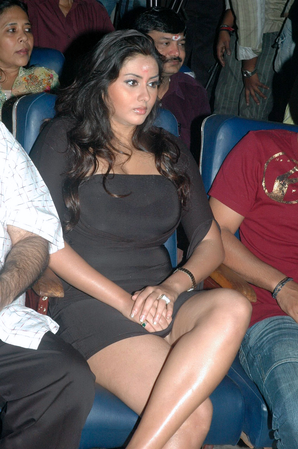 Namitha Is Mind Blowing Thigh Show At The Function