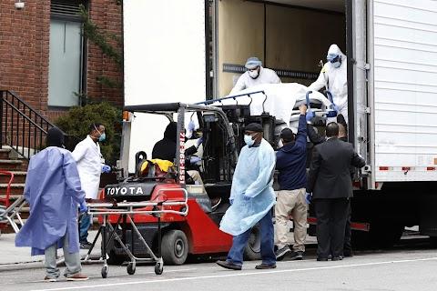 Cuomo: New York államban csökken a fertőződések száma, de ismét sok a halott