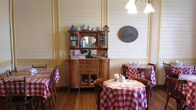 Sala de chá no Castelinho Caracol em Canela, na Serra Gaúcha