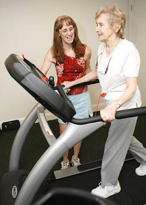 máy chạy bộ có thể đo huyết áp