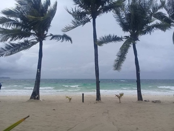 Photos of cleaner, better Boracay wow netizens after 50+ days of cleanup