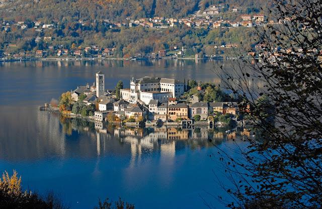 Orta San Giulio, gioiello del Lago D'Orta