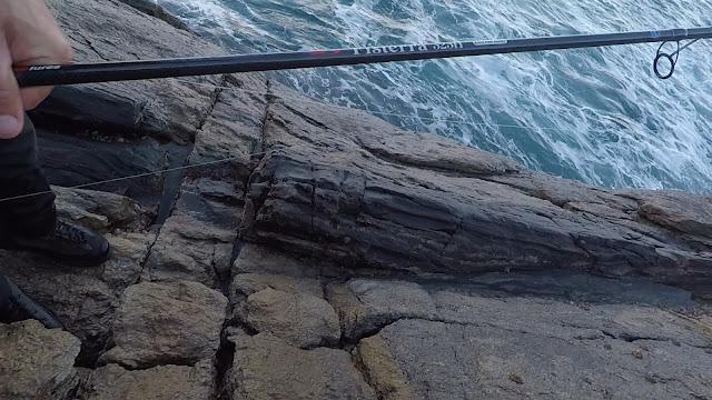 FISTERRA - Spinning desde acantilado, escenario complicado de pesca