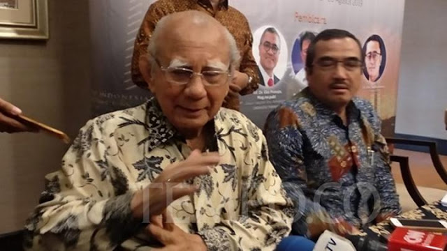 Emil Salim: Saya Mohon Presiden Jokowi Batalkan Ekspor Benih Lobster