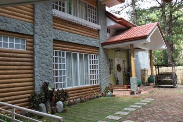 Emily's Garden Suites - Main House Entrance