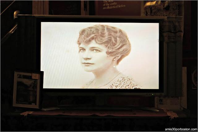 Imagen de Irene del Vídeo del Castillo Hammond, Gloucester