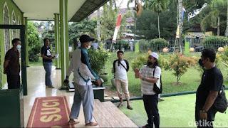Kelakuan Bejat Pria di Masjid: Cabuli Bocah Sampai Acungkan Jari Tengah