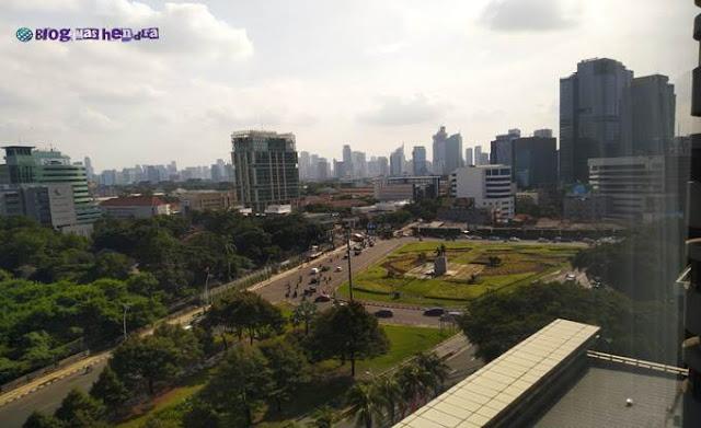 Pemandangan dari dalam Kamar Hotel Aryaduta Jakarta