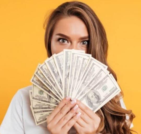 6 طرق مثبتة لكسب أموال إضافية عبر الإنترنت وغير متصل