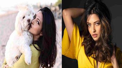 Bollywood Celebrity Riya Sen Hot Photos