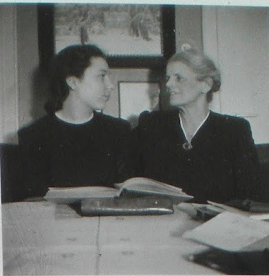 Last photo of Marie Watzinger (r.) with her daughter-in-law Hanni, Christmas 1942. Private photo