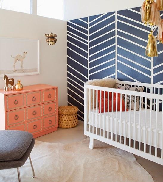 cuarto de bebé a rayas