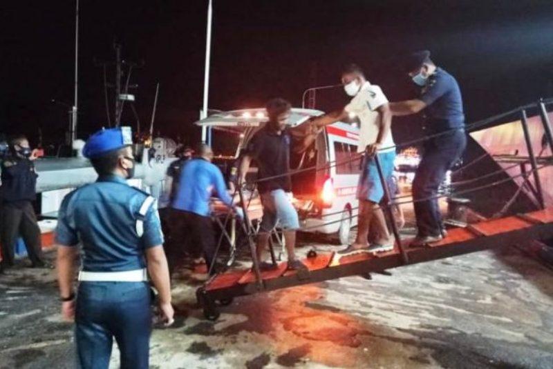 Begini Proses Evakuasi Korban Musibah Kapal Hafi Samudra yang Tenggelam di Perairan Berakit