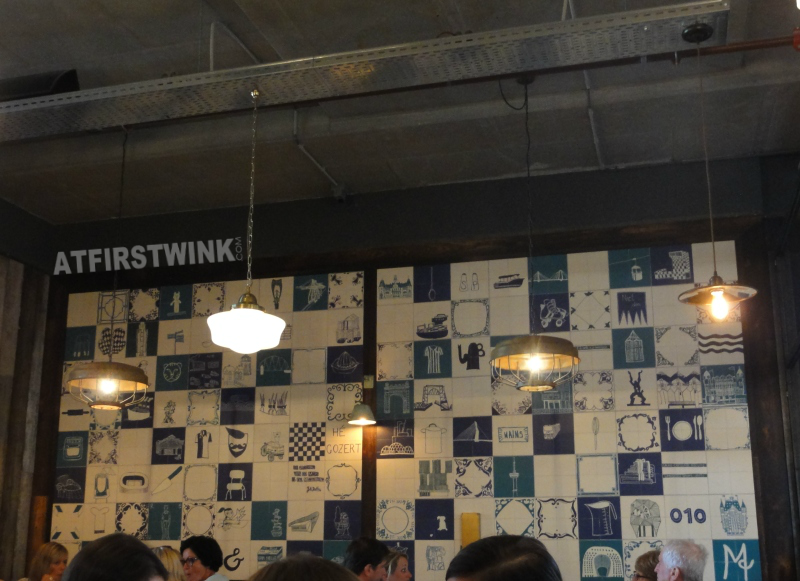 Jamie's Italian Markthal Rotterdam blue white tiles