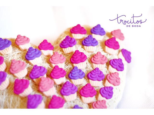 Alfileres de helados en tonos románticos con el Color Pantone Ultraviolet como protagonista