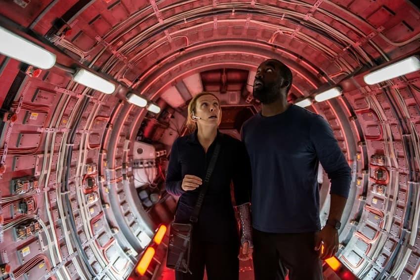 Рецензия на фильм «Дальний космос» - слезливую мелодраму под видом фантастики - 01