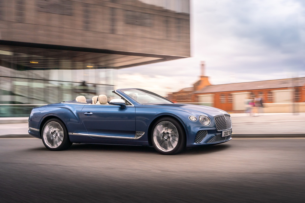 Bentley Continental GTC Convertible Mulliner ra mắt thế giới