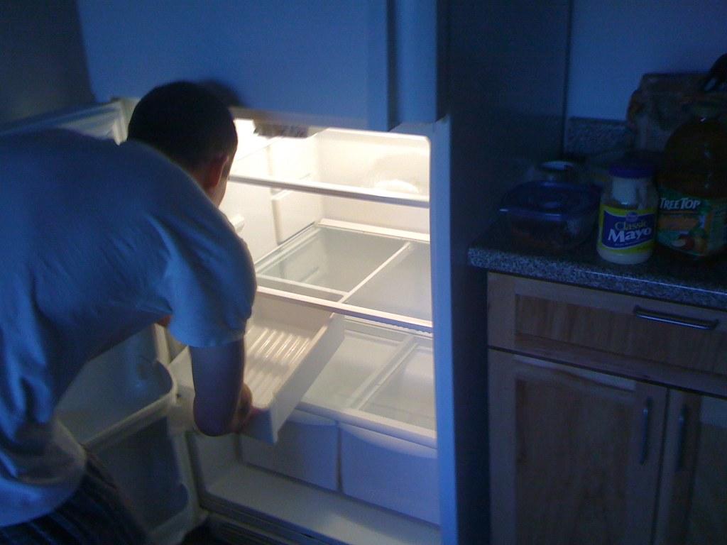 cleaning the rffrigerator