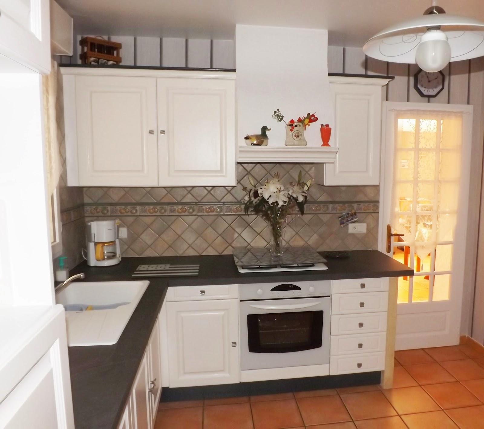 l 39 atelier d co du capagut la cuisine de g rald. Black Bedroom Furniture Sets. Home Design Ideas