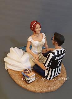 statuine sposi personalizzate anniversario sposa con libro cake topper libraio pila di libri orme magiche