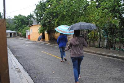 Onda tropical y vaguada seguirán incidiendo en las condiciones del tiempo