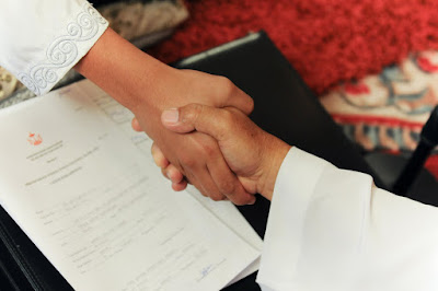 Hukum Pacaran Dalam Islam Sebelum Menikah, Halal atau Haram ?