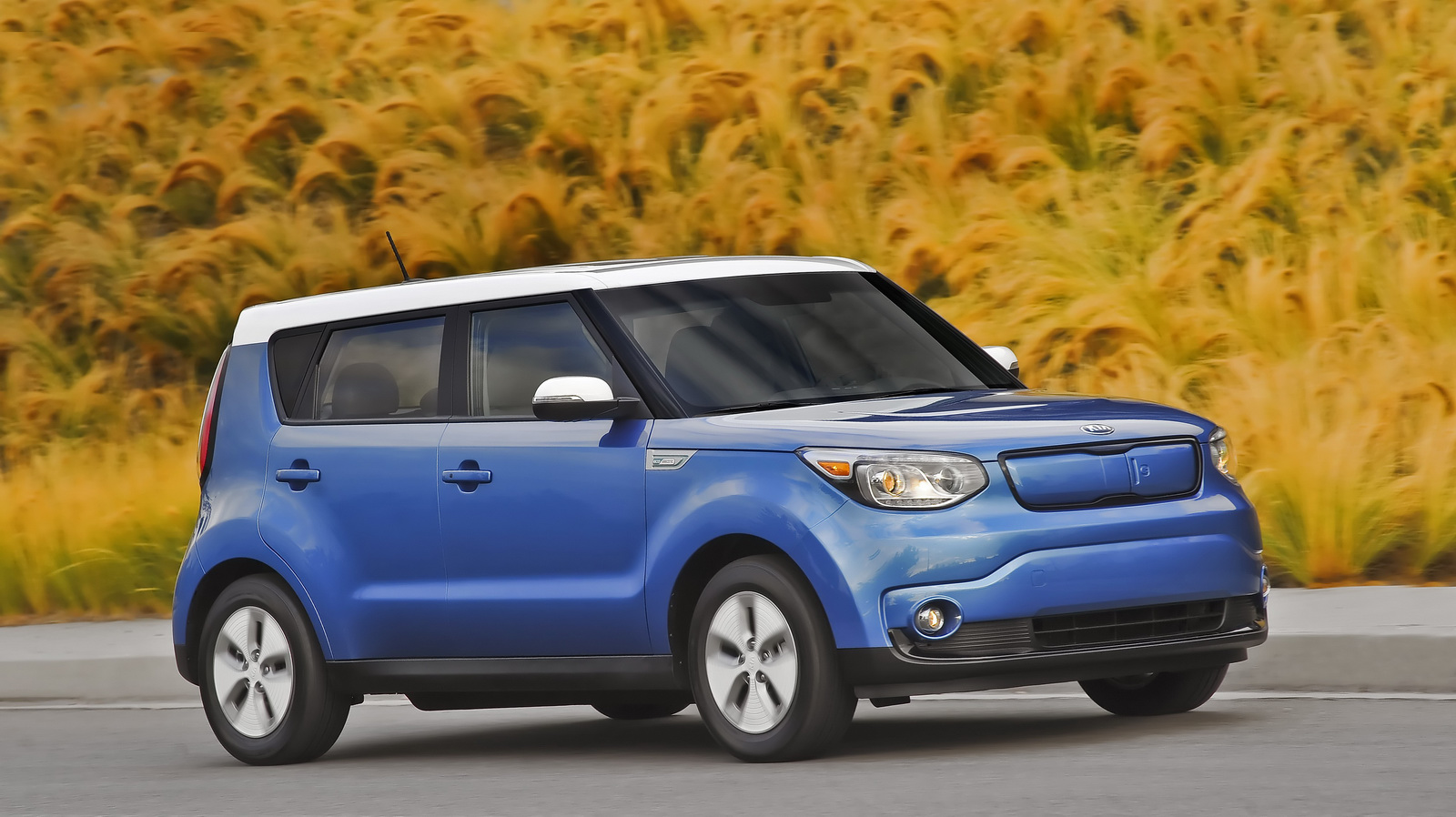 facelifted kia soul ev to get a boost in range carscoops. Black Bedroom Furniture Sets. Home Design Ideas