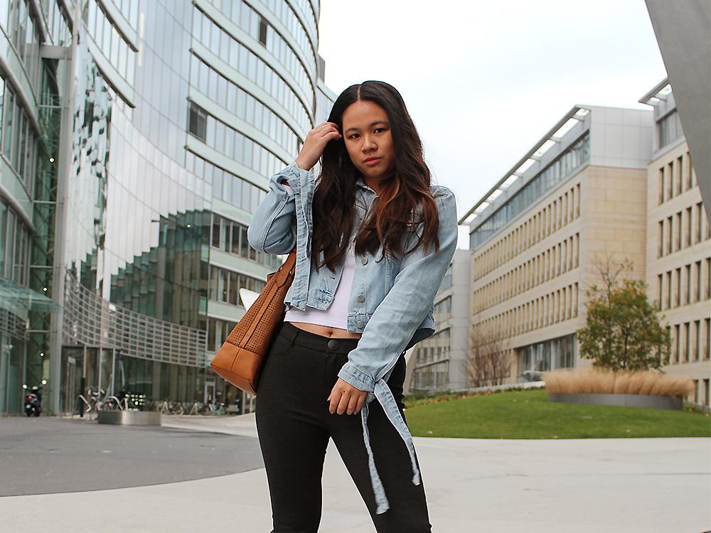 Blaue Jeansjacke von NA-KD