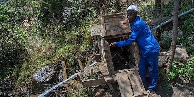 Pemuda Ini Sukses Kirimkan Cahaya untuk Desanya di Malawi, Negara dengan Listrik Paling Rendah di Dunia