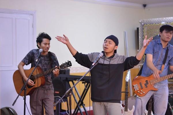 Naungi Musisi dan Seniman di Masisir, Khatulistiwa Persembahkan Konser Musik Tiap Tahunnya
