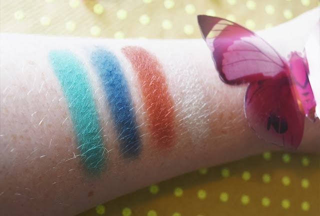 Urban Decay Alice Through The Looking Glass Eyeshadow Palette Iracebeth Swatches