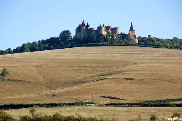 Vista panoramica della Borgogna e dei suoi castelli