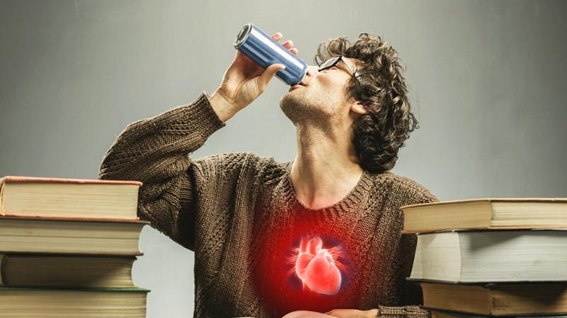 Enerji içeceklerinde kafein zehirlenmesi riski!