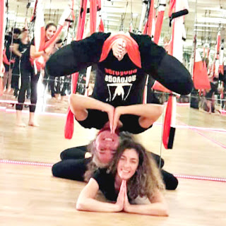 treinamento yoga aéreo
