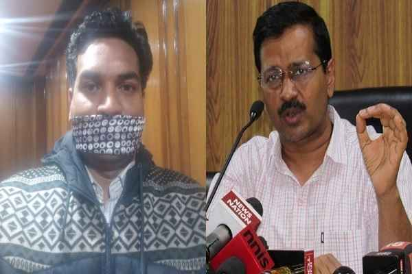 kapil-mishra-reached-delhi-assembly-cover-mouth-with-naqab
