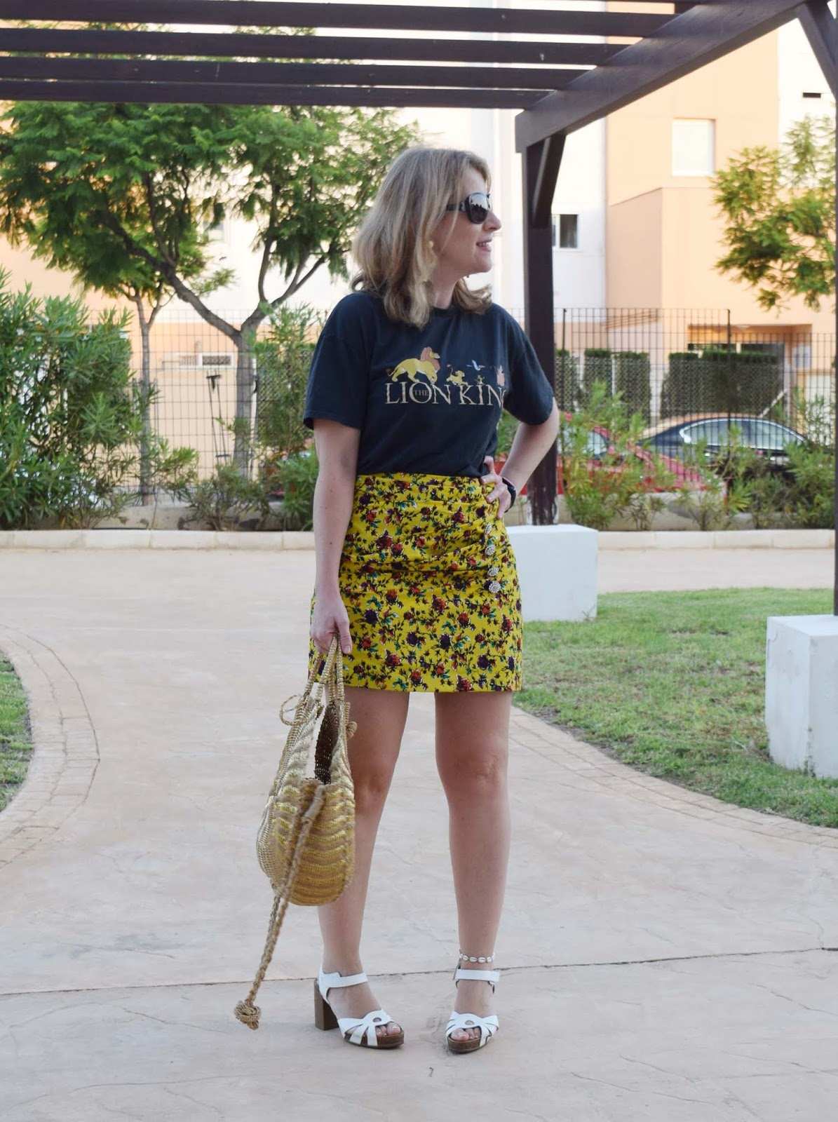 Mini_skirt_Tshirt_Lion_king