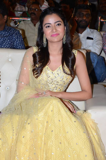Rukshar Dhillon Photo In Lemen Yellow Ghagra