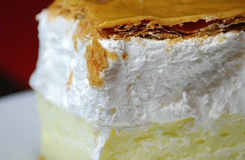 Házi francia krémes egyszerűen: bolti tésztából is isteni a cukrászdák kedvence