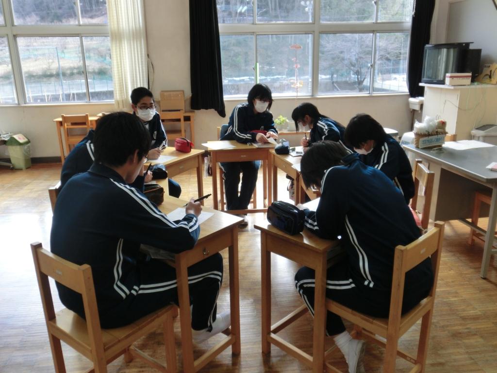 今日は今年度最後の委員会活動でした。 来年度へ向けて、ふり返りと伝達事... 上野中学校公式ブロ