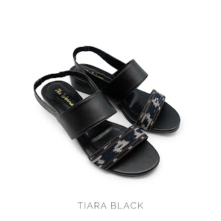 TIARA BLACK THE WARNA