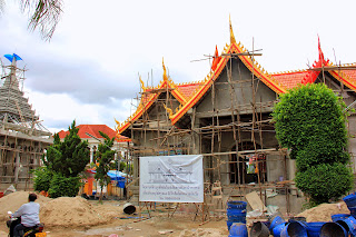 Works in the temple Wat Si Muang