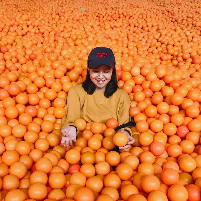 Wisata Selfie Centrum Million Balls Bandung