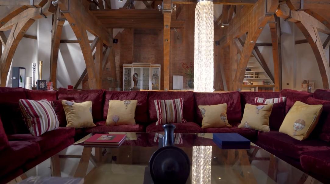 21 Interior Design Photos vs. St Pancras Chambers Penthouse London Tour