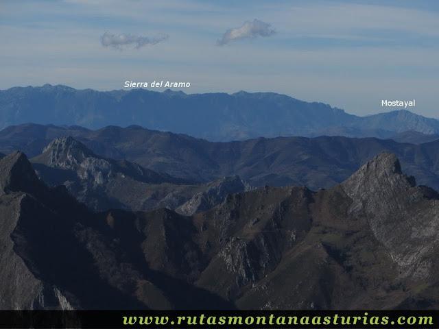 Vista de la Mostayal y Sierra del Aramo