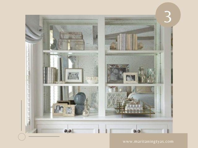 cermin di dalam lemari untuk visual lebih luas
