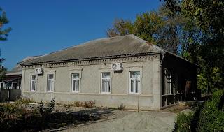 Новгородское. Первая поселковая аптека Оливье. Сейчас – молитвенный дом