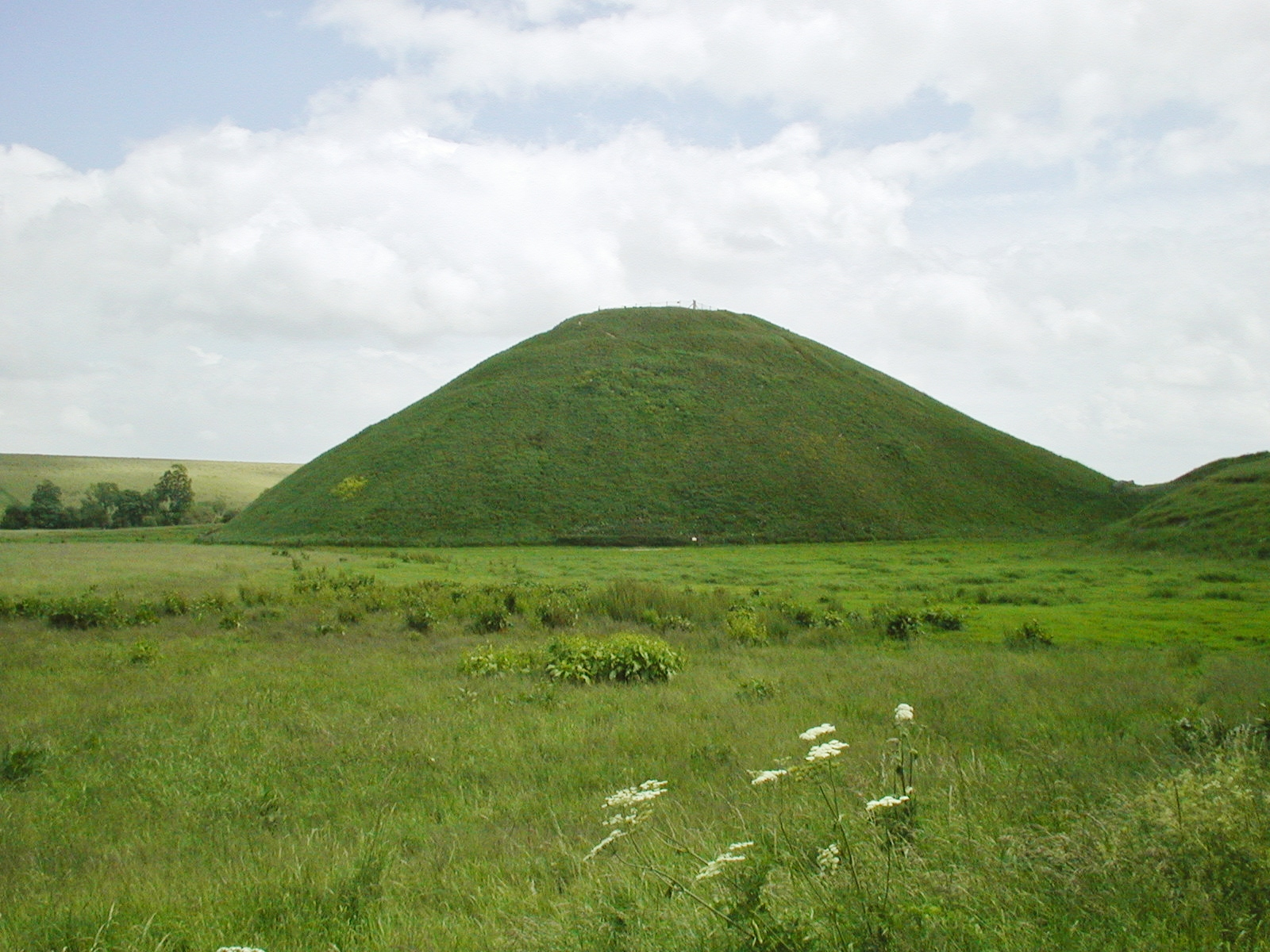 a bad witch s blog pagan eye silbury hill on a summer s day